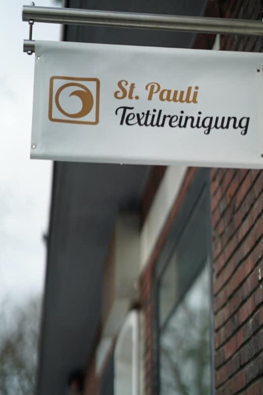 Ladenschild der St. Pauli Textilreinigung